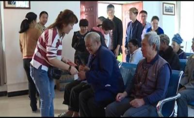 红河县个私协会向抗疫一线单位捐赠爱心口罩