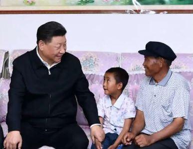 """习近平的小康故事丨""""让全体人民住有所居"""""""