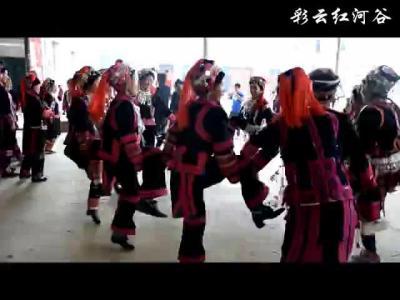 """架车乡合莫村开展""""扎塔塔""""节活动"""