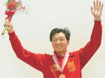 """在1984年的奥运会上,他实现了中国奥运金牌""""零""""的突破"""