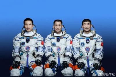 """明天,他们要""""上天""""了!3名航天员太空生活""""剧透""""→"""