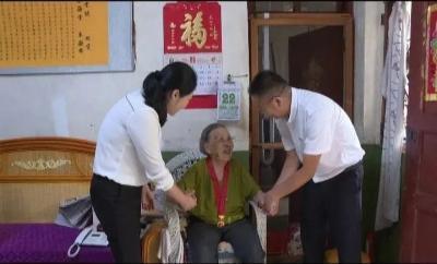 """""""七·一""""前夕州委宣传部到红河县开展走访慰问活动"""