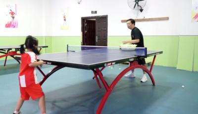 """乒乒乓乓!幼儿园""""小魔王""""申请出战"""