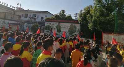 """红河县中小学校强化""""听党话、感党恩、跟党走""""学习教育"""