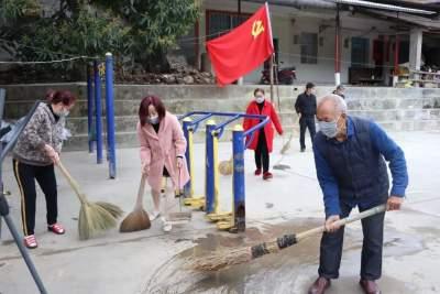 河口县:党旗引领党员示范助推爱卫专项行动扎实开展
