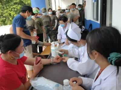 我为群众办实事|河口县人民医院送医送药送健康义诊活动暖人心