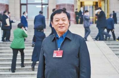 杨鸿生委员——建设发热哨点诊室 提升基层处置能力
