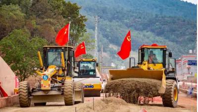 """""""五一""""期间 云南12个高速公路项目建设跑出""""加速度"""""""