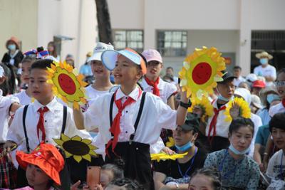 """【我们的节日•六一国际儿童节】 秀山一小举办""""红领巾心向党""""庆六一活动"""