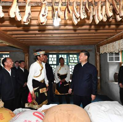 这在党和国家历史上是第一次 ——记习近平作为中共中央总书记、国家主席、中央军委主席到西藏庆祝西藏和平解放七十周年并进行考察调研