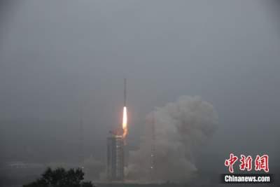 中国成功发射天绘二号02组卫星