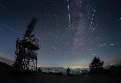 本年度最值得观赏流星雨13日凌晨迎极大 每小时洒落逾百颗流星