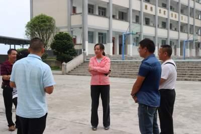 王艺霖到沙依坡乡调研指导校园安全暨疫情防控工作